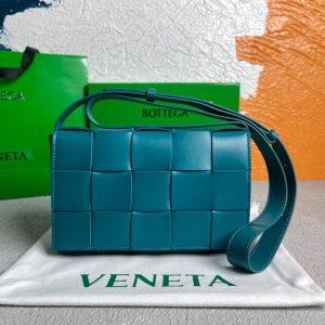 bottega veneta bv 578004 cassette cross body bag 58890 55