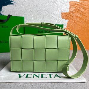 bottega veneta bv 578004 cassette cross body bag 58890 64