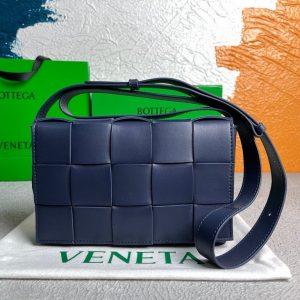 bottega veneta bv 578004 cassette cross body bag 58890 91