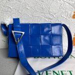 bottega veneta bv 667298 cassette cross body bag blue 0