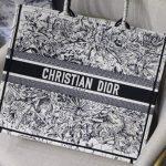 dior-m1286-book-tote-latte-multicolor-dior-zodiac-embroidery-gray-2