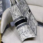 dior-m1286-book-tote-latte-multicolor-dior-zodiac-embroidery-gray-7