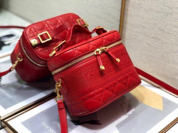 Dior S5488 Small Diortravel Vanity Case in Red Lambskin - Voguebags