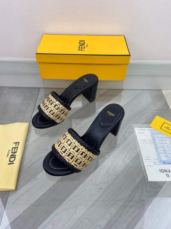 Fendi 8X8095 FF Slippers Leather Sandals Black - luxibagsmall