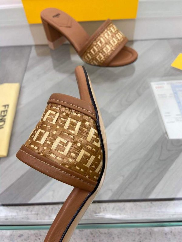 Fendi 8X8095 FF Slippers Leather Sandals Brown - luxibagsmall