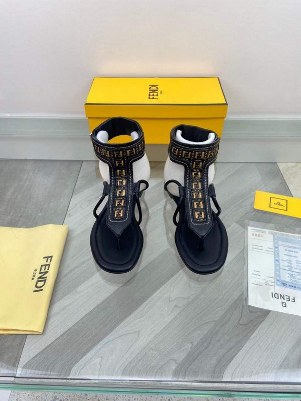 Fendi 8Y8095 FF Interlace Leather Thong Sandals Black - luxibagsmall
