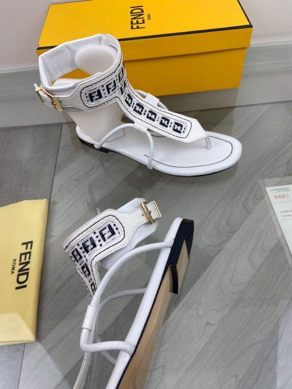 Fendi 8Y8095 FF Interlace Leather Thong Sandals White - luxibagsmall
