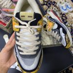 gucci-mens-ultrapace-r-leather-sneaker-81112-5