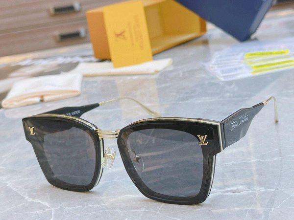 Louis Vuitton Sunglasses Luxury LV Sports Fashion Show Sunglasses 992411 - Voguebags