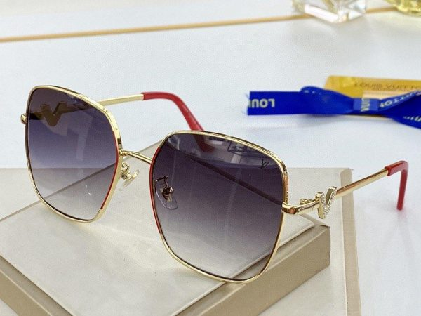 Louis Vuitton Sunglasses Luxury LV Sport Fashion Show Sunglasses 992098 - Voguebags