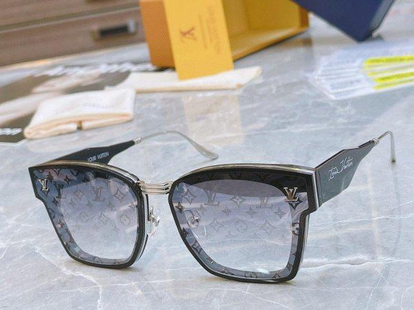Louis Vuitton Sunglasses Luxury LV Sports Fashion Show Sunglasses 992425 - Voguebags