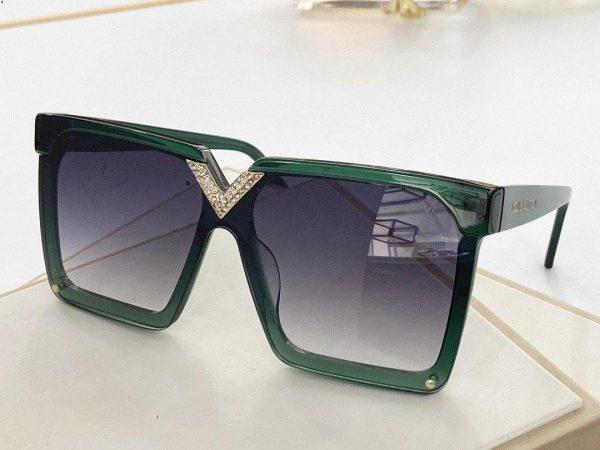 Louis Vuitton Sunglasses Luxury LV Sport Fashion Show Sunglasses 992110 - Voguebags