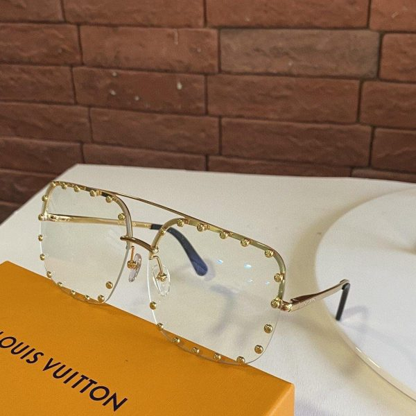Louis Vuitton Sunglasses Luxury LV Sport Fashion Show Sunglasses 992120 - Voguebags