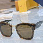 louis-vuitton-sunglasses-luxury-lv-sport-fashion-show-sunglasses-9_99585030-fff4-40e4-b1af-00525770b5aa